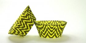 500pc Chevron Design - Black / Yellow Standard Size Cupcake Baking Cups Liners Wrappers