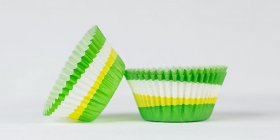 500pc 2 Color Swirl Design Green Standard Size Cupcake Baking Cups Liners Wrappers