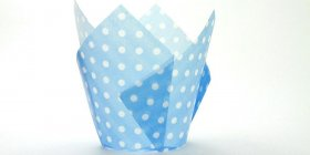 250pc Tulip Liner Light Blue with White Dots